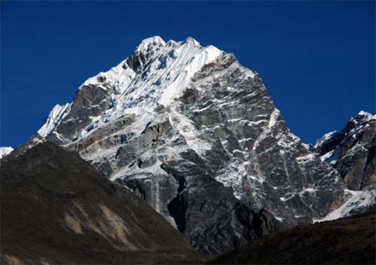 Lobuche Peak 6119 meter